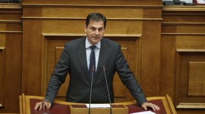 Θεοχάρης: Η κυβέρνηση θα συνεχίσει να στηρίζει εργαζόμενους και επαγγελματίες στον τουρισμό