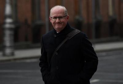 Lane (Κεντρική Τράπεζα Ιρλανδίας): Τα NPLs συνιστούν «εθνικό συστημικό κίνδυνο» - Κίνδυνοι για την παγκόσμια οικονομία