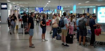 ΥΠΑ: Αυξάνονται οι χώρες όπου οι ταξιδιώτες τους δεν θα μπαίνουν σε καραντίνα - Τι προβλέπει η νέα Covid-19 notam