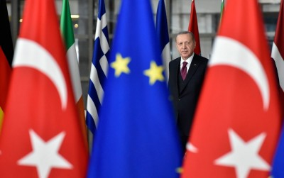 Σε ρόλο Πόντιου Πιλάτου η ΕΕ - Κυρώσεις σε Τουρκία, αλλά όχι ουσιώδεις - Βέλη Erdogan κατά Ελλάδας - Μητσοτάκης: Αντιμέτωπη με συνέπειες η Άγκυρα