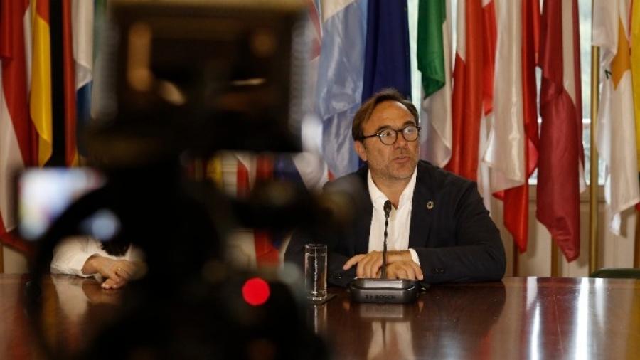 Regling: Έχουν αρχίσει οι συζητήσεις για ένα fund της ευρωζώνης που θα μπορούσε να αντιμετωπίσει ασύμμετρα σοκ όπως η Ελλάδα