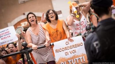 Ρώμη: Πρόταση να πληρώνουν οι αντιεμβολιαστές τα έξοδα νοσηλείας τους - Σφοδρές αντιδράσεις