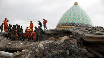 Ινδονησία: Στους 2.045 οι νεκροί από τον σεισμό και το τσουνάμι – Τερματίζεται η επιχείρηση διάσωσης