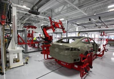 Tesla: Η γερμανική γραφειοκρατία καθυστερεί τη λειτουργία του εργοστασίου στο Βερολίνο