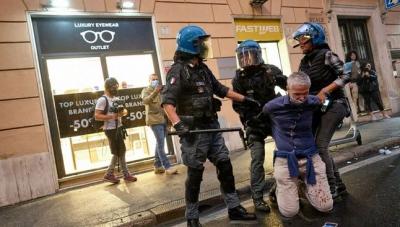 Ιταλία:  Η κυβέρνηση Draghi ανησυχεί για αναταραχές, μετά την επιβολή του Green pass για Covid σε όλους τους χώρους εργασίας