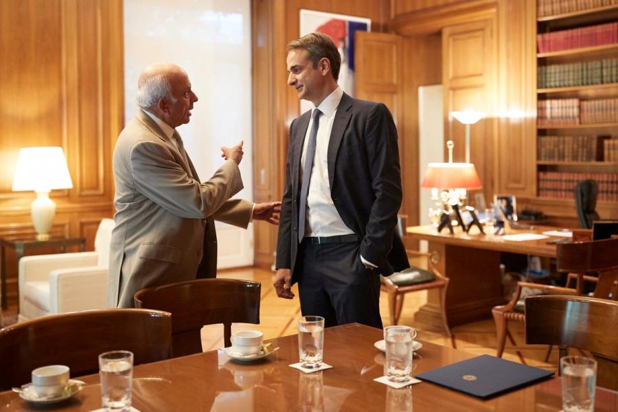 Πετρόπουλος: Δεν έχει τεθεί θέμα κατάργησης της προσωπικής διαφοράς
