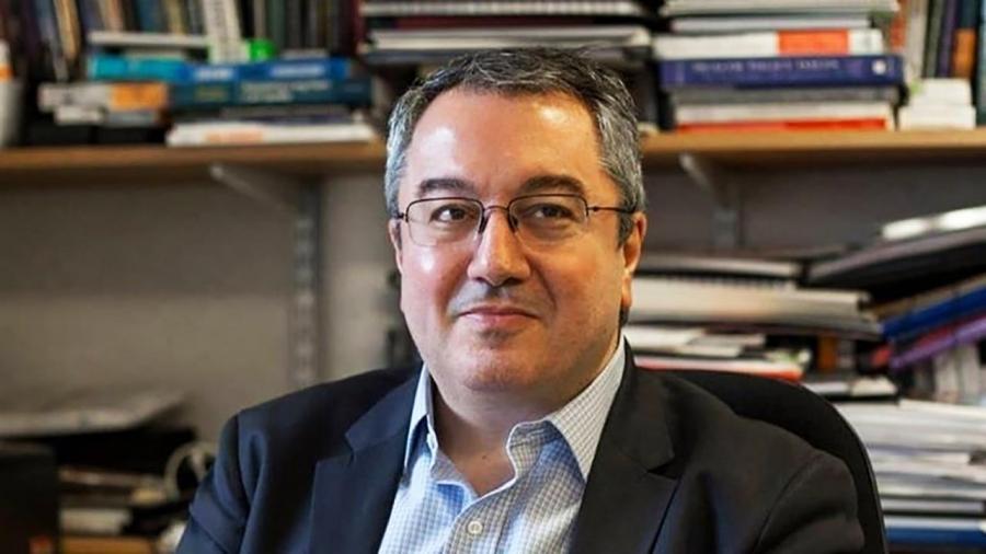 Μόσιαλος: Τι είπε για τη νέα βρετανική υπομετάλλαξη και την άρση πατέντας - AstraZeneca και έγκυες