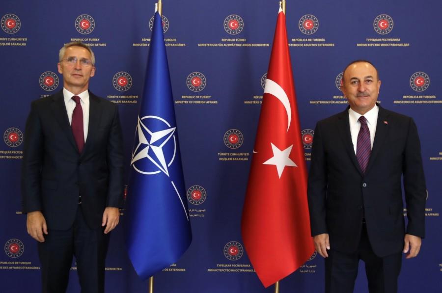 To NATO στηρίζει εμφανώς την Τουρκία - Cavusoglu: Η Ελλάδα έστειλε πολεμικά σκάφη στην υφαλοκρηπίδα μας