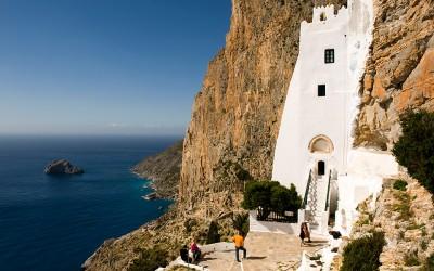 Covid - free η Αμοργός, την ώρα που τα κρούσματα αυξάνονται σε όλη την Ελλάδα