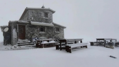 Καιρός – Χιόνισε στον Όλυμπο: Μαγικές εικόνες με το βουνό ντυμένο στα λευκά