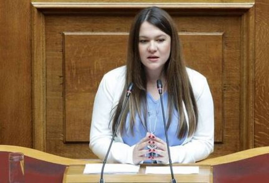 ΜέΡΑ25: Ανεξαρτητοποιήθηκε η βουλευτής Κωνσταντίνα Αδάμου, η επιστολή της - Αντίδραση Βαρουφάκη