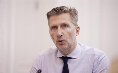 Σκέρτσος (υφ. στον πρωθυπουργό): Γιατί όλοί πρέπει να σπεύσουν να εμβολιαστούν - Κλείστε ραντεβού, σώζει ζωές