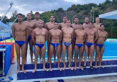 Πόλο: Δεύτερη θέση στον όμιλο για την Εθνική Νέων – Ήττα από το Μαυροβούνιο με 9-8