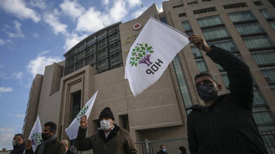 Τουρκία: Ένοπλη επίθεση στα γραφεία του HDP στην Σμύρνη, νεκρή μία γυναίκα