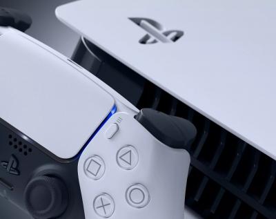 Έσοδα $3,8 δισ. για το PlayStation 5 μέσα σε επτά μήνες από την κυκλοφορία του