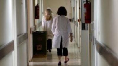 Ιταλία: Αναζήτηση των ανεμβολίαστων άνω των 60 ετών από τους οικογενειακούς γιατρούς