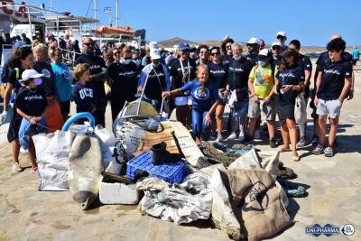 All For Blue: Σκουπίδια βάρους ενός τόνου αφαιρέθηκαν από τον βυθό της Δήλου