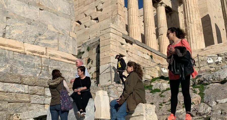 Νέοι όροι και προϋποθέσεις για το επάγγελμα του τουριστικού συνοδού