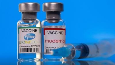 Η προπαγάνδα φόβου κατά των ανεμβολίαστων είναι πρωτοφανής ενώ το τείχος προστασίας των εμβολιασμένων ξεθωριάζει