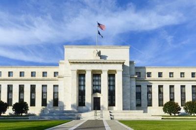 Fed: Μέτρια ανάπτυξη της αμερικανικής οικονομίας - «Αγκάθια» εμπορική αβεβαιότητα και αυξημένοι μισθοί