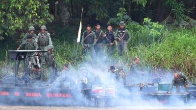 Συνεχίζονται οι μάχες στα σύνορα Βενεζουέλας - Κολομβίας