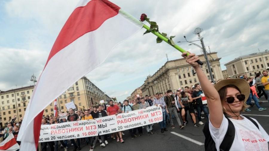 Λευκορωσία: Χιλιάδες πολίτες διαδήλωσαν κατά του Lukashenko στο Μινσκ και άλλες πόλεις