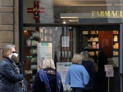 Χάος προκαλεί το Green Pass στην Ιταλία – Ουρές στα φαρμακεία για rapid test και νέες διαμαρτυρίες στα λιμάνια