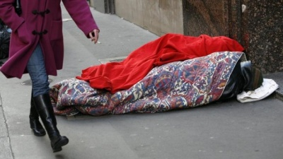 Πρόγραμμα στήριξης και επανένταξης αστέγων από τον Δήμο Πειραιά