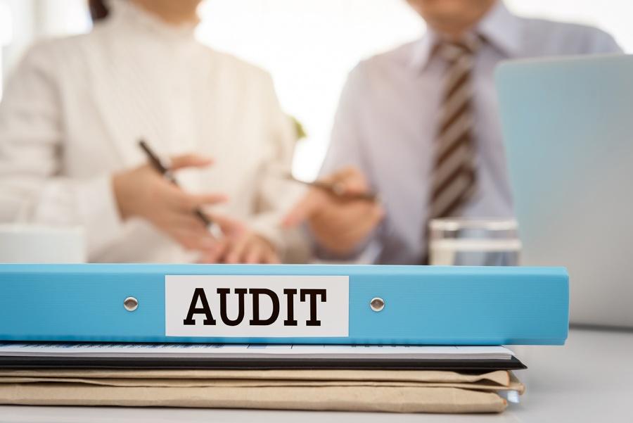 Νέα αφαίρεση αδείας ορκωτού από την ΕΛΤΕ, στον βασικό μέτοχο της FRS Auditors