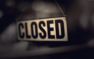 ΑΑΔΕ: «Λουκέτα» από 48 ώρες έως 10 ημέρες για όσους δεν «κόβουν» αποδείξεις