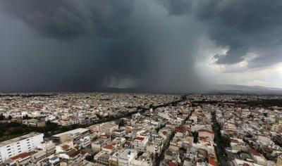 Ξεκίνησε η κακοκαιρία στην Αττική - Που θα εκδηλωθούν βροχές, καταιγίδες, χαλαζοπτώσεις και μεγάλη συχνότητα κεραυνών