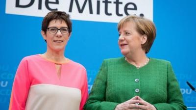 Η Merkel στηρίζει την Karrenbauer στη διαμάχη με τους… Youtubers