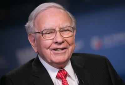 Ο Buffett πέραν από αεροπορικές εταιρίες πούλησε και μετοχές Goldman, J P Morgan