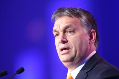 Oυγγαρία: Aντιμέτωπος με ένα ενιαίο μέτωπο κομμάτων της αντιπολίτευσης o Orban - Αντίπαλες πολιτικές συγκεντρώσεις στη Βουδαπέστη