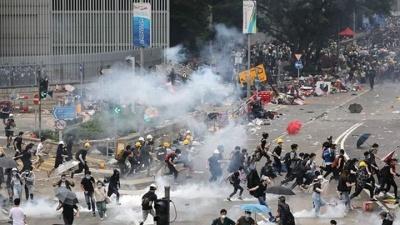 Χονγκ Κονγκ: Διαδηλωτές αντιδρούν στην νέα προσπάθεια της Κίνας να αστυνομεύσει την περιοχή