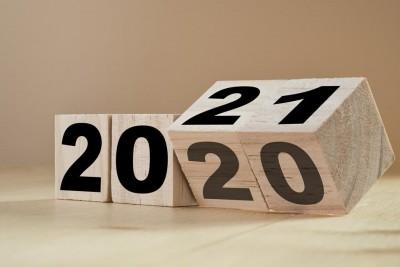 Τι επιφυλάσσει το 2021; - Μέτρια ανάκαμψη στην ελληνική οικονομία και άνοδος στις 1000 μον. για το χρηματιστήριο… λόγω προσδοκιών για το 2022