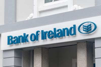 Η Ιρλανδία πουλάει το 13,9% της συμμετοχής της στην Bank of Ireland