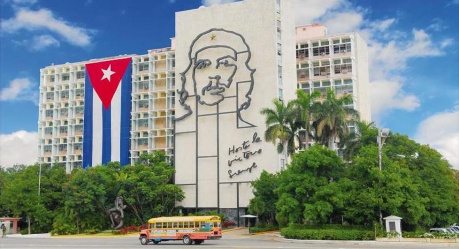 Η Ρωσία στέλνει στην Κούβα δύο αεροσκάφη με ανθρωπιστική βοήθεια, μαζί, ένα εκατομμύριο μάσκες