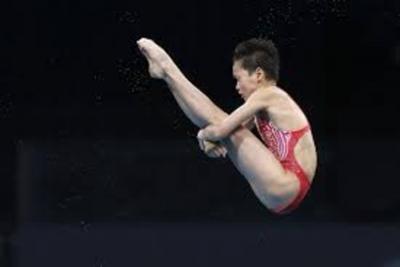 Χρυσό μετάλλιο για την 14χρονη Quan Hongchan στις καταδύσεις!