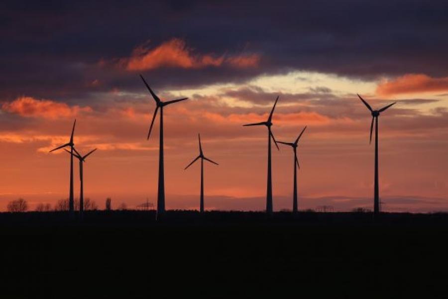 ΑΠΕ: Επενδύσεις ύψους 174 δισ. δολ. το α' εξάμηνο στην «πράσινη» ενέργεια