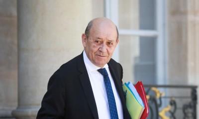 Le Drian (ΥΠΕΞ Γαλλίας): Απαράδεκτη η βία σε βάρος ειρηνικών διαδηλωτών και δημοσιογράφων