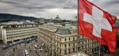 Ελβετία: Aνησυχεί η έξαρση κρουσμάτων κορωνοϊού, αλλά οι αρχές θέλουν να αποφύγουν ένα νέο lockdown