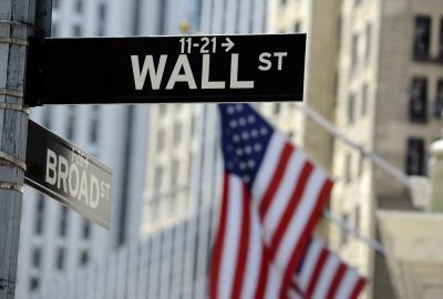 Μετά το κράχ, ισχυρή άνοδος έως +2% σε Dow και S&P 500 - Σημαντική πτώση στην Ευρώπη, «βουτιά» 2,3% για τον DAX
