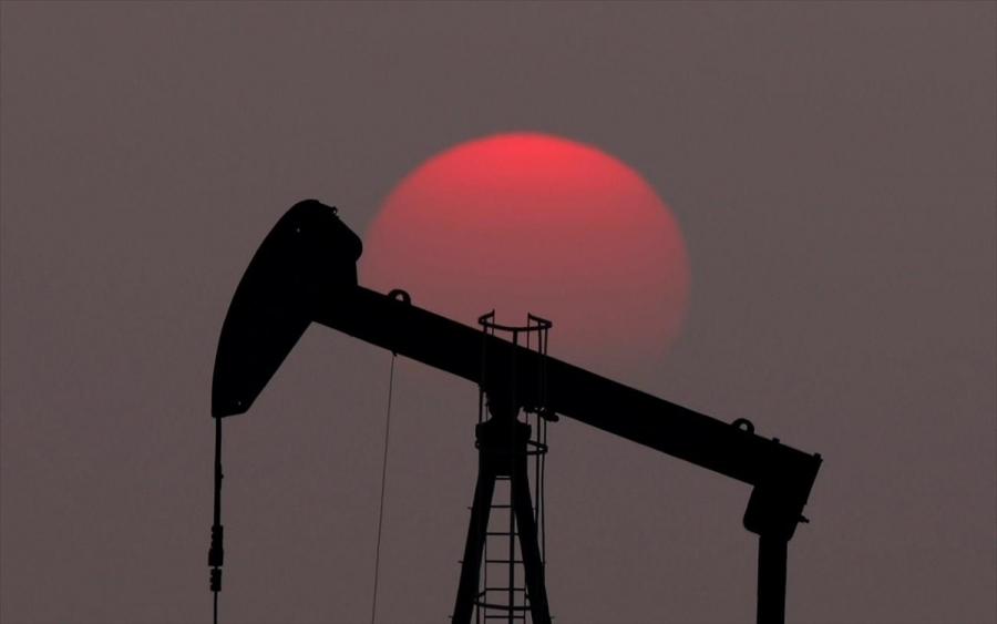 Πετρέλαιο: Πάνω από τα 56 δολάρια/βαρέλι το brend, σε υψηλά 11 μηνών