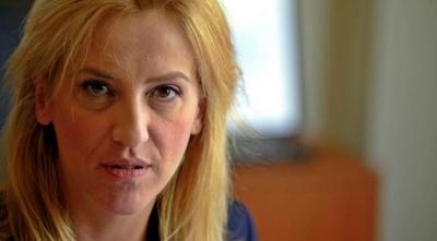 Διεξαγωγή ΕΔΕ για συμπεριφορά υπαλλήλου της Περιφέρειας προς Άτομα με Σκλήρυνση κατά Πλάκας ζήτησε η Δούρου