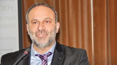 Στα χέρια πιάστηκε ο πρώην υπουργός Ν. Μαυραγάνης σε εκλογικό κέντρο στην Εύβοια