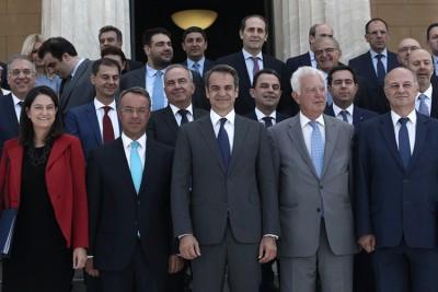 Υπουργοί – υφυπουργοί που δεν λένε ούτε καλημέρα μεταξύ τους – Σκέψεις για νέες αλλαγές στο κυβερνητικό σχήμα τον Δεκέμβριο