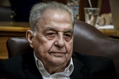 Έκλεψαν το αυτοκίνητο του πρώην υπουργού Αλέκου Φλαμπουράρη