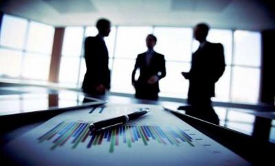 Μείωση του συστήματος στήριξης επιχειρήσεων και εργαζομένων αναμένει η κυβέρνηση για το Μάϊο