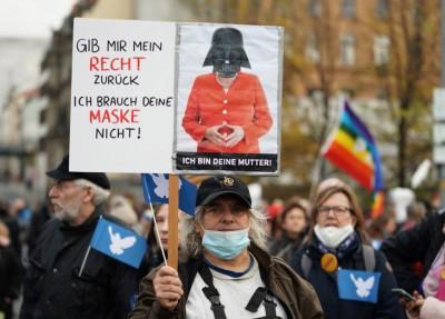 Γερμανία - Διαδηλώσεις κατά των σχεδίων της Merkel για ενίσχυση εξουσιών με φόντο τον κορωνοϊό